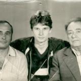 1986 год. Справа налево М.С. Лисянский, его внук Максим накануне ухода в армию, и отец Максима Александр Кузнецов. Из архива семьи М. Лисянского.JPG